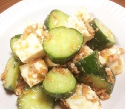 豆腐ときゅうりとカツオの和え物